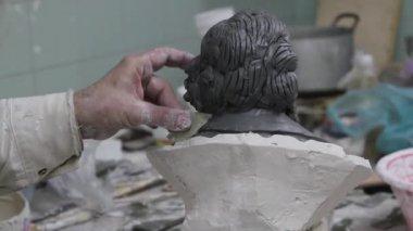 Creating sculptures — Stock Video