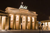 The Brandenburg Gate in winter with snow in Berlin — Stock Photo