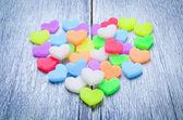 Πολλοί καρδιά στο ξύλινο πάτωμα — Φωτογραφία Αρχείου