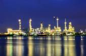 Oil refinery plant at twilight — Stock Photo