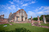 Ancient temple in Thailand — Stock Photo
