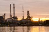 Oil refinery plant at sunrise — Stock Photo
