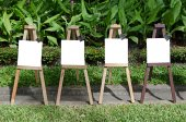 Empty paint stand in garden — Stock Photo