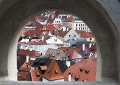 Cesky Krumlov from loop-hole from castle wall — Stock Photo