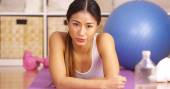 Tough Japanese woman resting after workout — Stock Photo