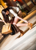 Happy smiling shopping girl — Stock Photo