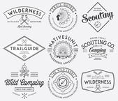 Outdoor scouting black on white — Vector de stock