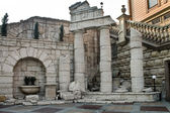 Decorative ruins — Stock Photo