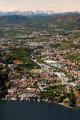 Lake Como with the town and the Apls — Stock Photo