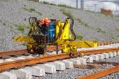 Железнодорожные пути установки машина — Стоковое фото