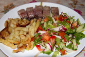 Herring fillet with potatoes and vegetables — 图库照片