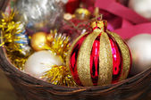 New Year's toy a sphere in a basket — Stockfoto