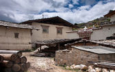 Tibetan traditional house and a backyard in a countryside — Stock Photo