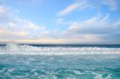 White foamy waves and gradually darkening color of sea water — Stock Photo