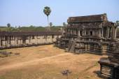 Ruins of ancient Khmer temple - Angkor Wat — Stock Photo