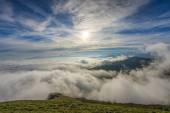 Sunrise over the clouds, mount Cucco, Umbria, Apennines, Italy — Zdjęcie stockowe