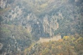 S. Girolamo hermitage in the woods in Autumn, Monte Cucco NP, Ap — Stockfoto