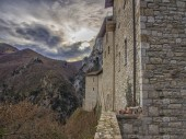 The hermitage Sant'Ambrogio, Pascelupo, Mount Cucco NP, Umbria, — Stock Photo