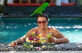Handsome man enjoying his dream vacations — Stock Photo