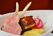 Roasted Lamb Chops on goose liver — Zdjęcie stockowe