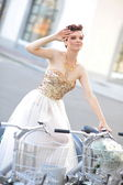 Bride on bike — Foto de Stock