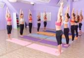 Bikram Hot Yoga class — Stock Photo
