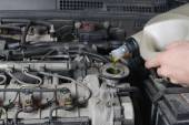 Motor oil, car engine — Stockfoto