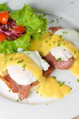 Eggs Benedict- toasted English muffins — Stock Photo