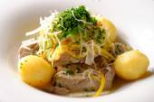 Beef meat with potato — Stock Photo