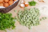 Homemade potato spinach gnocchi — Stock Photo
