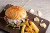 Gourmet burger with roast beef — 图库照片