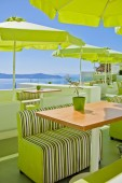 Outdoor green cafe — Stockfoto
