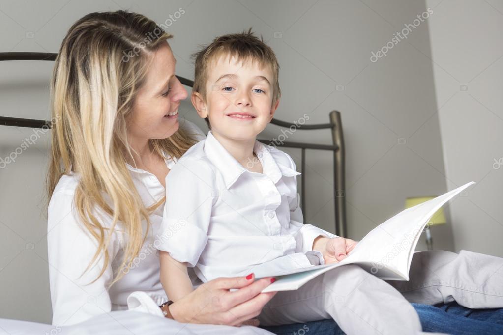 Сын в постели с матерью фото 662-490