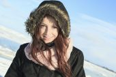 A woman portrait outside in winter season — Foto de Stock