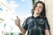 Portrait Of Young Smiling Teen Boy — Stockfoto