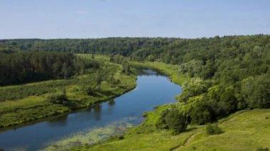 Vue aérienne de la rivière — Vidéo