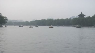 Boats in the Hau Hai area in Beijing — Stock Video