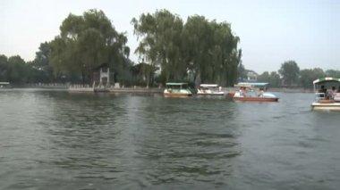 Boats in the Hau Hai area in Beijing — Stockvideo