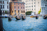 Gondoliers in Venice — Stock Photo