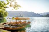 Boats at the shore of Bled Lake in Slovenia — Stock Photo