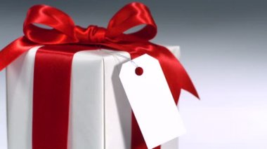 Rotating wrapped present — Stock video