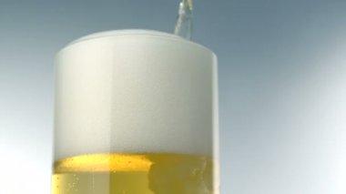 Beer foams over glass — Stock Video