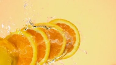 Sliced orange in water — Vidéo