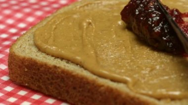 Arašídové máslo a želé sendvič — Stock video