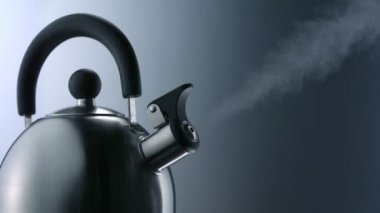 Whistling of boiling kettle — Stock Video