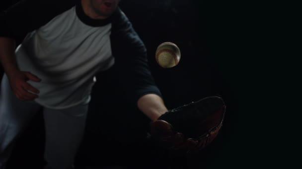 Football player catching the ball — Vidéo