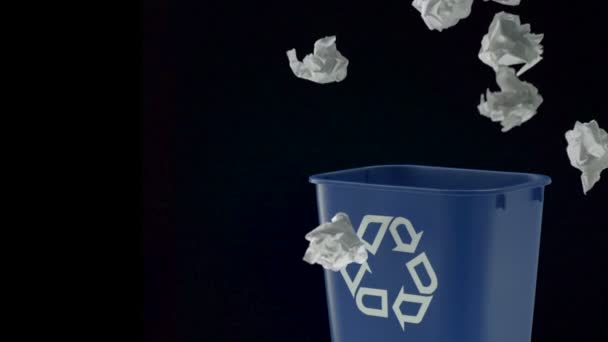 Tossing papers into trash can — Vidéo