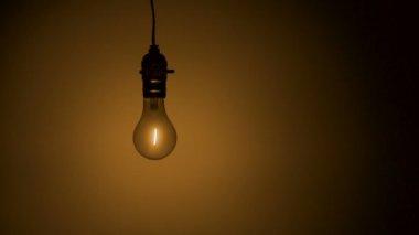 Light bulb hanging in the air — Vidéo