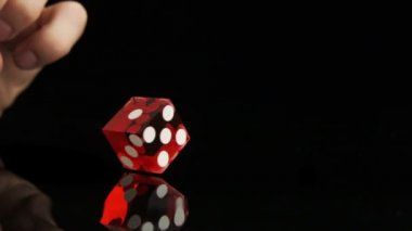 Hand throwing dice — Stock Video
