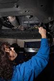 Woman making mechanic — Stock Photo